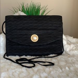 Reflections Purse Black w  Pearl like closure